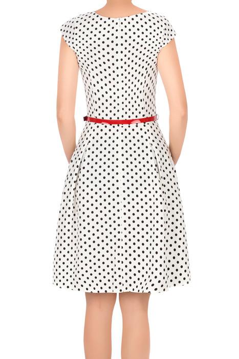 Sukienka Gotta biała w kropki z paskiem w talii